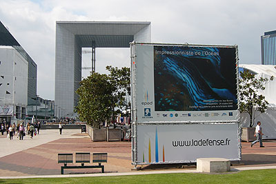 Exhibition on the esplanade (le parvis) of La Défense